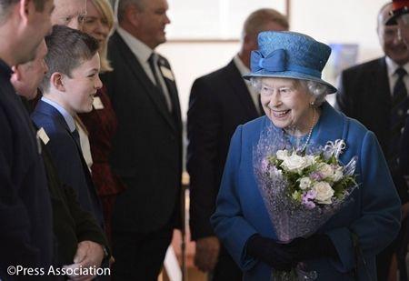 エリザベス女王  Queen Elizabeth イギリス 2016年 総まとめ 総集編 1年振り返り バラスター地区 訪問 激励 市民と交流 9月
