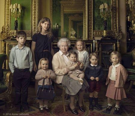 ジョージ王子 Prince George イギリス 2016年 総まとめ 総集編 一年を振り返る 総復習 ロイヤルファミリー イギリス王室 親戚 家族写真 誕生日 4月