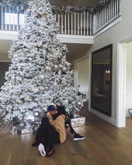 カイリー・ジェナー Kylie Jenner クリスマスツリー 2016