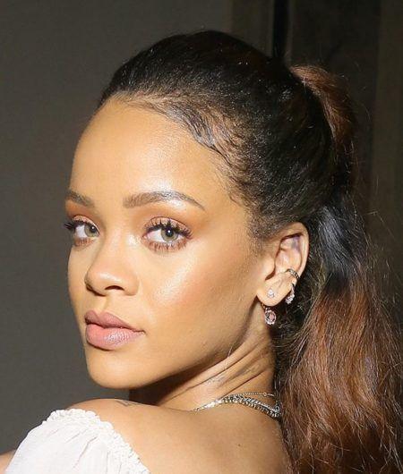 リアーナ Rihanna  リップ 口紅 ナチュラル