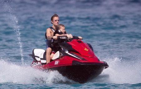 ジャスティン・ビーバー ビーチバケーション Justin Bieber 弟 ジャクソン マリンスポーツ
