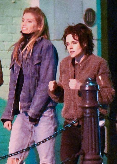 クリステン・スチュワート ステラ・マックスウェル Kristen Stewart Stella Maxwell サバンナ 2ショット