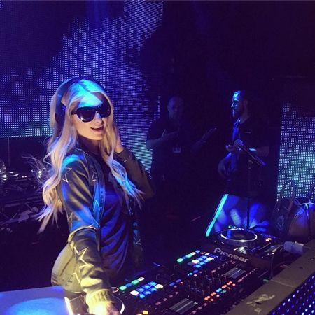 パリス・ヒルトン DJ Paris Hilton