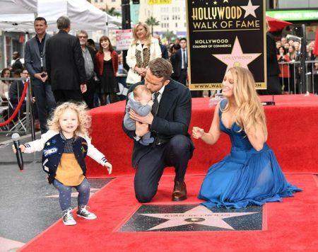 ライアン・レイノルズ ブレイク・ライヴリー ハリウッドの殿堂 Ryan Reynolds Blake Lively 長女 次女 ジェームズ