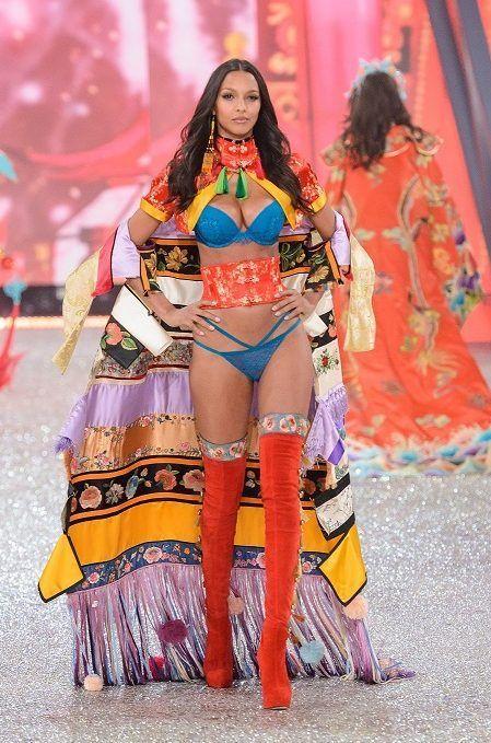 レイス・リベイロ 2016 Victoria's Secret Fashion Show ヴィクトリアズ・シークレット・ファッションショー