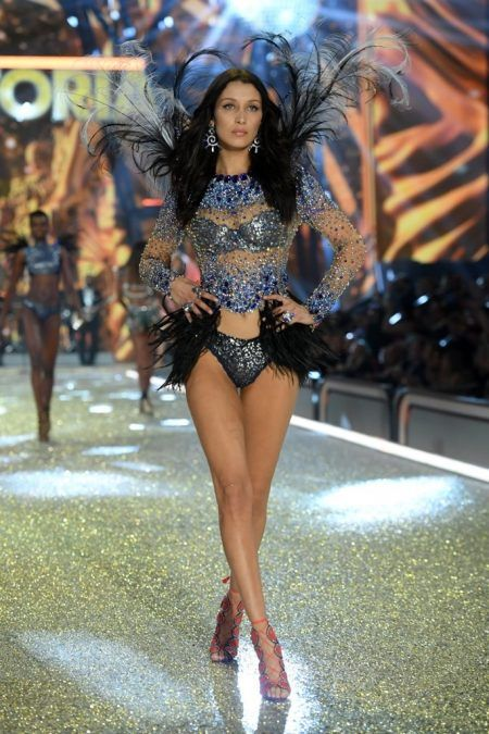 2016 Victoria's Secret Fashion Show ヴィクトリアズ・シークレット・ファッションショー ベラ・ハディッド