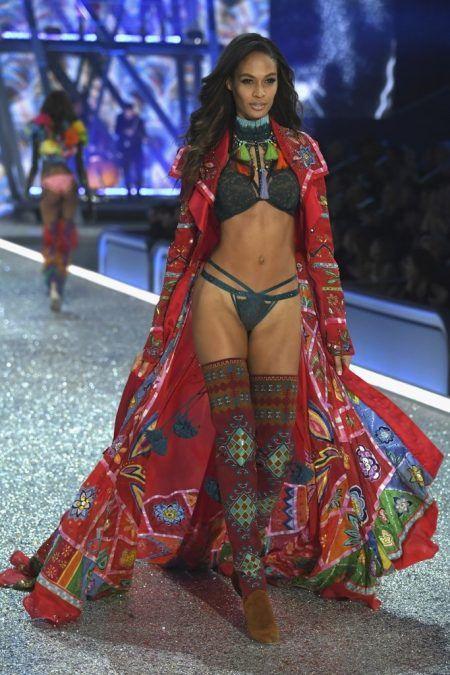 2016 Victoria's Secret Fashion Show ヴィクトリアズ・シークレット・ファッションショー ジョアン・スモールズ