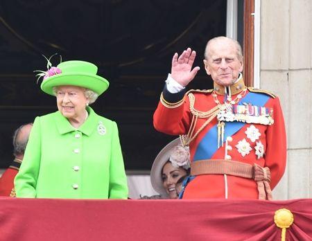 エリザベス女王  Queen Elizabeth イギリス 2016年 総まとめ 総集編 誕生日 90歳 パレード デコバルーン 国民がお祝い バッキンガム宮殿 ロイヤルファミリー 集合
