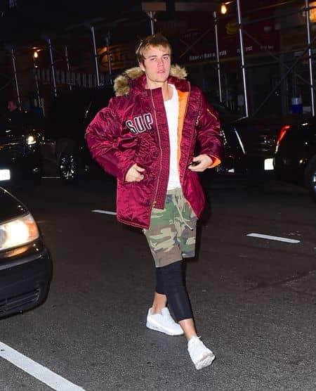 ジャスティン・ビーバー Justin Bieber  ジングルボール ライブ 遅刻 NY 徒歩 愛用ブランド 歩き