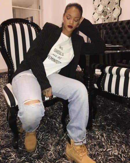 ディオールのフェミニストTシャツ Dior We Should All Be Feminists T-Shirt Rihanna リアーナ