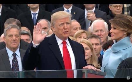 ドナルド・トランプ Donald Trump 大統領 就任式 ケーキ 盗作 オバマ大統領 2012年 就任式 ケーキ 同じ そっくり アメリカ大統領