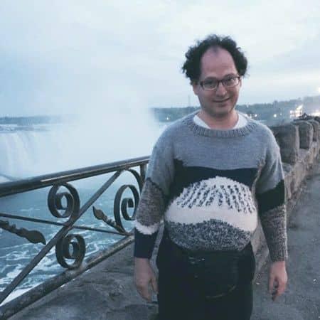 名所編み物アーティストのサム・バースキー ナイアガラの滝