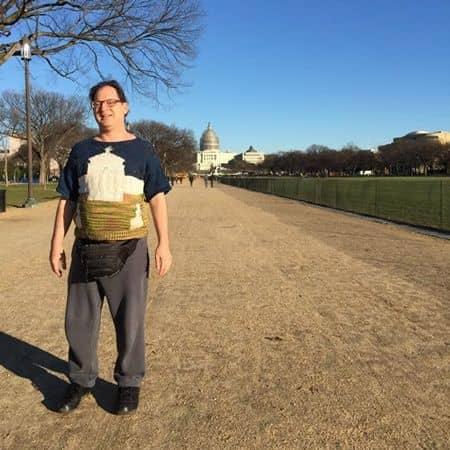 名所編み物アーティストのサム・バースキー アメリカ合衆国議会議事堂