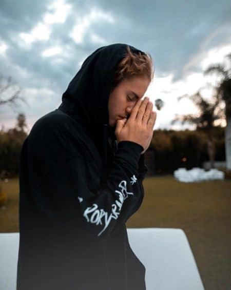 ジャスティン・ビーバー Justin Bieber  インスタグラム ローリー・クレイマー 愛用ブランド パーカ 写真 2017年1月