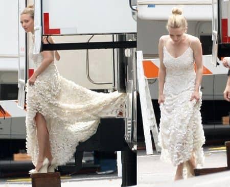 アマンダ・サイフリッド 白いドレス 撮影 グリフィン家のウェディングノート White DressThe Big Wedding Amanda Seyfried