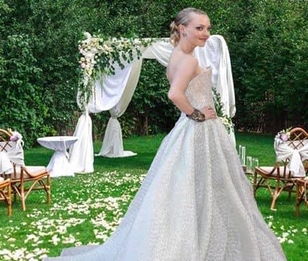アマンダ・サイフリッド 白いドレス 結婚式 White Dress Wedding Amanda Seyfried