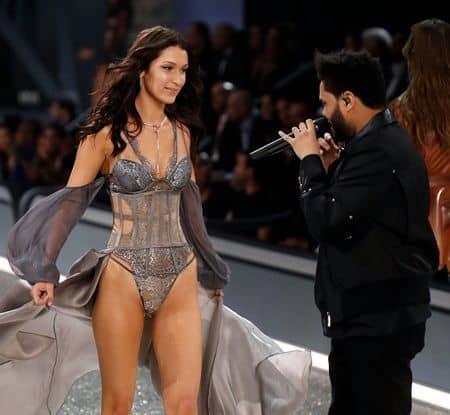 ヴィクトリアズ・シークレット ショー ベラ・ハディッド ザ・ウィークエンド Bella Hadid The Weeknd ex couple Victoria's Secret Show