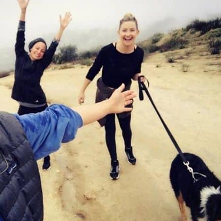 ケイト・ハドソン ニコール・リッチー 10日間SNSチャレンジ ハイキング セレブの正月太り解消法