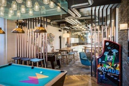 ドット・ジンク社 オフィス お城 Dot ZInk Money.co.uk Office Castle