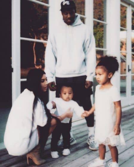 キム・カーダシアン Kim Kardashian 家族写真 カニエ・ウェスト Kanye West ノース セイント 子ども