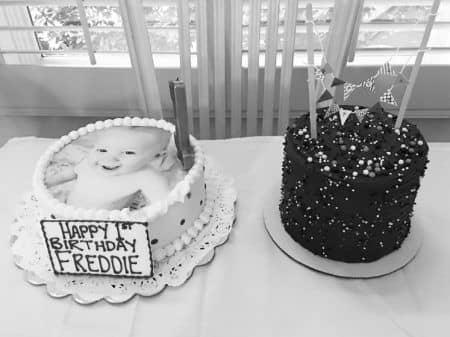 ルイ・トムリンソン Louis Tomlinson フレディ 息子 バースデー ケーキ