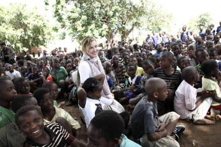 マドンナ Madonna マラウイ 訪問 チャリティ