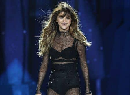 セレーナ・ゴメス Selena Gomez リバイバル・ツアー Revival Tour