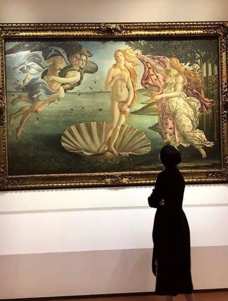 セレーナ・ゴメス ザ・ウィークエンド イタリア 美術館 ボッティチェリ ヴィーナスの誕生 Selena Gomez The Weeknd