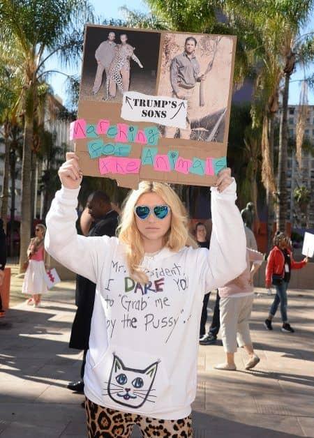 女性のマーチ プラカード Women's March ケシャ Kesha