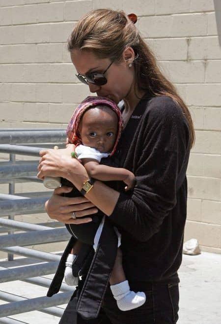 アンジェリーナ・ジョリー Angelina Jolie  ザハラ Zahara Jolie Pitt 2005