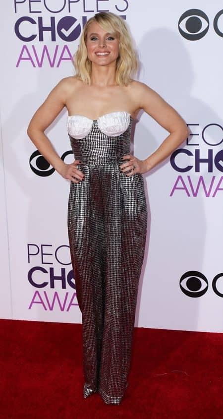 クリステン・ベル Kristen Bell  ピープルズ・チョイス・アワード people's Choice Awards 2017 レッドカーペット ドレス 豪華 受賞者 プレゼンター