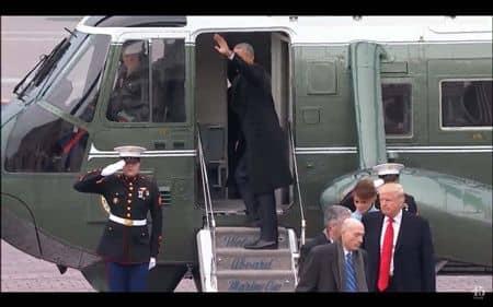 バラク・オバマ Barack Obama  バケーション 休暇 旅行 パームスプリングス ゴルフ 一人 リラックス 政府専用機 ヘリコプター
