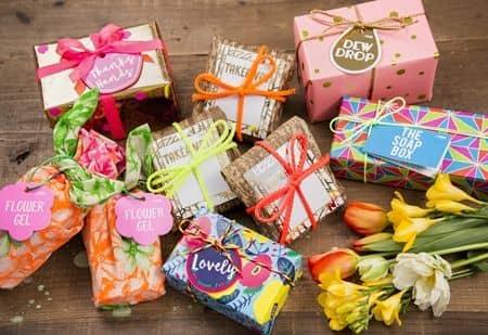 ラッシュ Lush ギフトボックス 2月15日発売 カラフル 可愛い ホワイトデー 限定 石鹸 プレゼント おすすめ