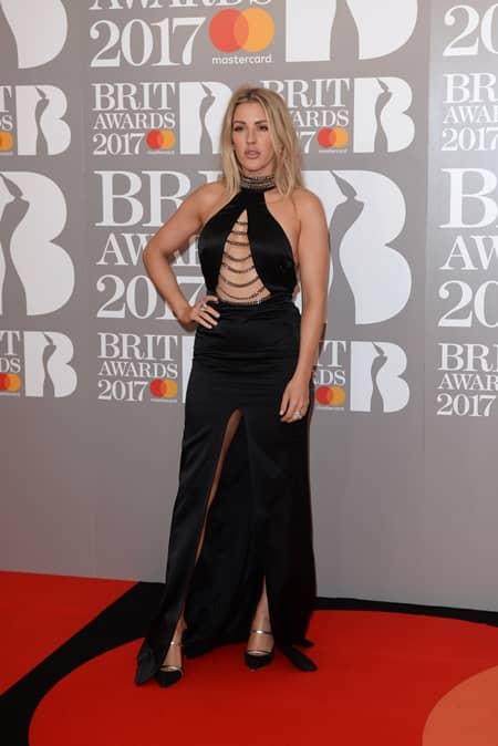 エリー・ゴールディング Ellie Goulding 第37回 ブリット・アワード Brit Awards 2017 レッドカーペット ドレス 着用ブランド 早出し いち早く公開