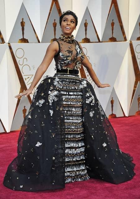 ジャネール・モネイ  Janelle Monae 第89回アカデミー賞 オスカー 2017年 ドレス レッドカーペット 着用ブランド 速報