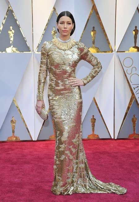 ジェシカ・ビール Jessica Biel 第89回アカデミー賞 オスカー 2017年 ドレス レッドカーペット 着用ブランド 速報