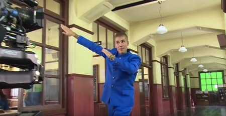 ジャスティン・ビーバー Justin Bieber 極秘来日 ソフトバンク CM撮影 青の学ラン ダブダンス ピコ太郎 PPAP