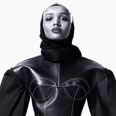 ハリマ・アデン Halima Aden モデル 難民 ケニアの難民キャンプ ミス・ミネソタ Yeezy Maxmara Alberta Ferretti 注目モデル ランウェイ ヒジャブ CR Fashion Book イスラム教徒