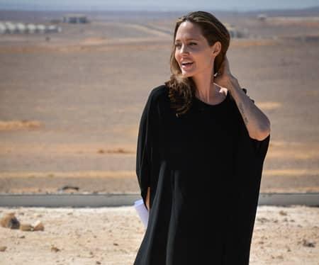 アンジェリーナ・ジョリー 難民キャンプ 国連親善大使 Angelina Jolie Refugee Camp UN