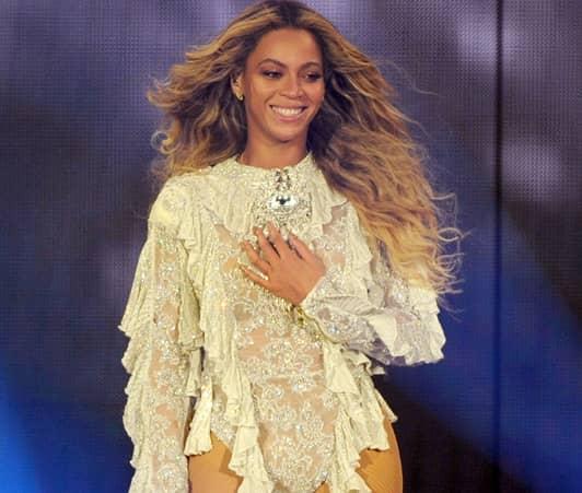 ビヨンセ コーチェラ 出演中止 双子妊娠  Beyonce Canceled Coachella Pregnant Twins