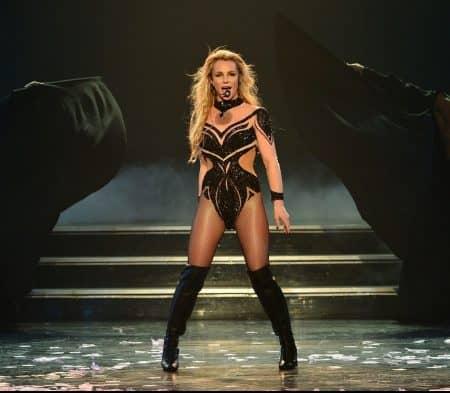 ブリトニー・スピアーズ Britney Spears ラスベガス 常設公演 パフォーマンス
