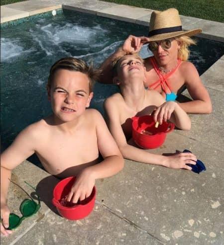 ブリトニー・スピアーズ Britney Spears 息子 ショーン ジェームズ ジャグジー