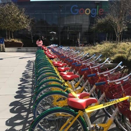 グーグル Google Googleplex グーグルプレックス HQ ヘッドクォーター 自転車 設備