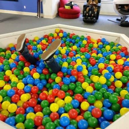 グーグル Google Googleplex グーグルプレックス HQ ヘッドクォーター ボールプール 設備
