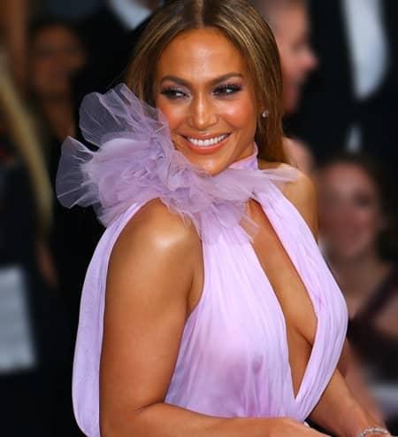 ジェニファー・ロペス 年下好き 否定 Jennifer Lopez Younger Boyfriend  Deny