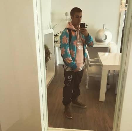 ジャスティン・ビーバー Justin Bieber セルフィー ファッション