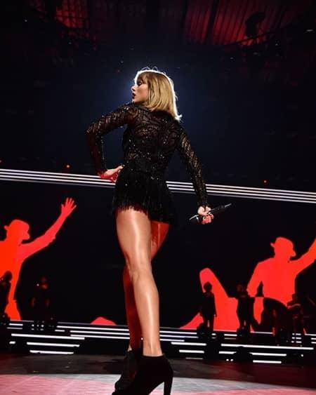 テイラー・スウィフト スーパーボウル 前夜祭 パフォーマンス Taylor Swift  Pre Super Bowl Concert Performance