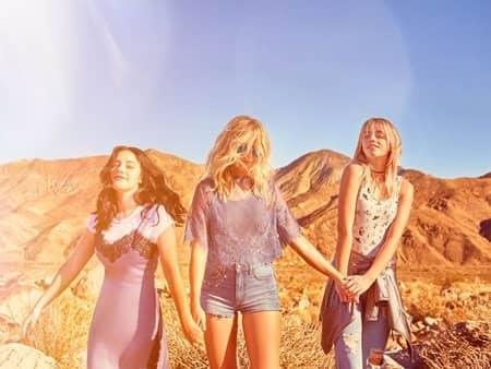 H&M Loves Coachella H&M コーチェラ コラボ コレクション ラッキー・ブルー・スミス 姉 バンド The Atomics