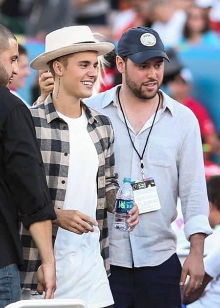 スクーター・ブラウン Scooter Braun ジャスティン・ビーバー Justin Bieber マネージャー 来日 ピコ太郎 衣装 ジャスティンは?