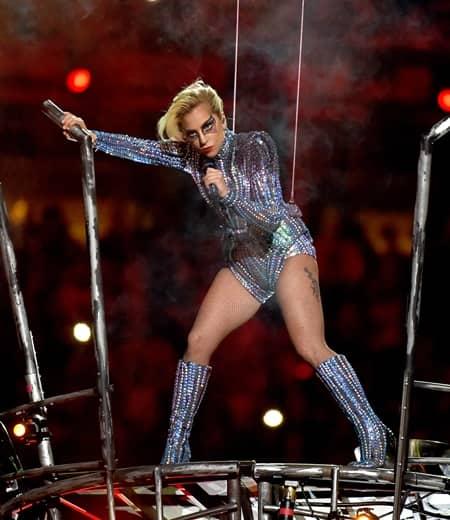 レディー・ガガ Lady Gaga ワールドツアー 3年ぶり 発表 スーパーボウル ハーフタイムショー